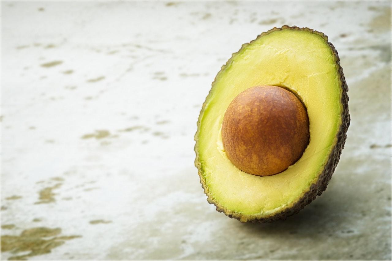 Avocado opengesneden