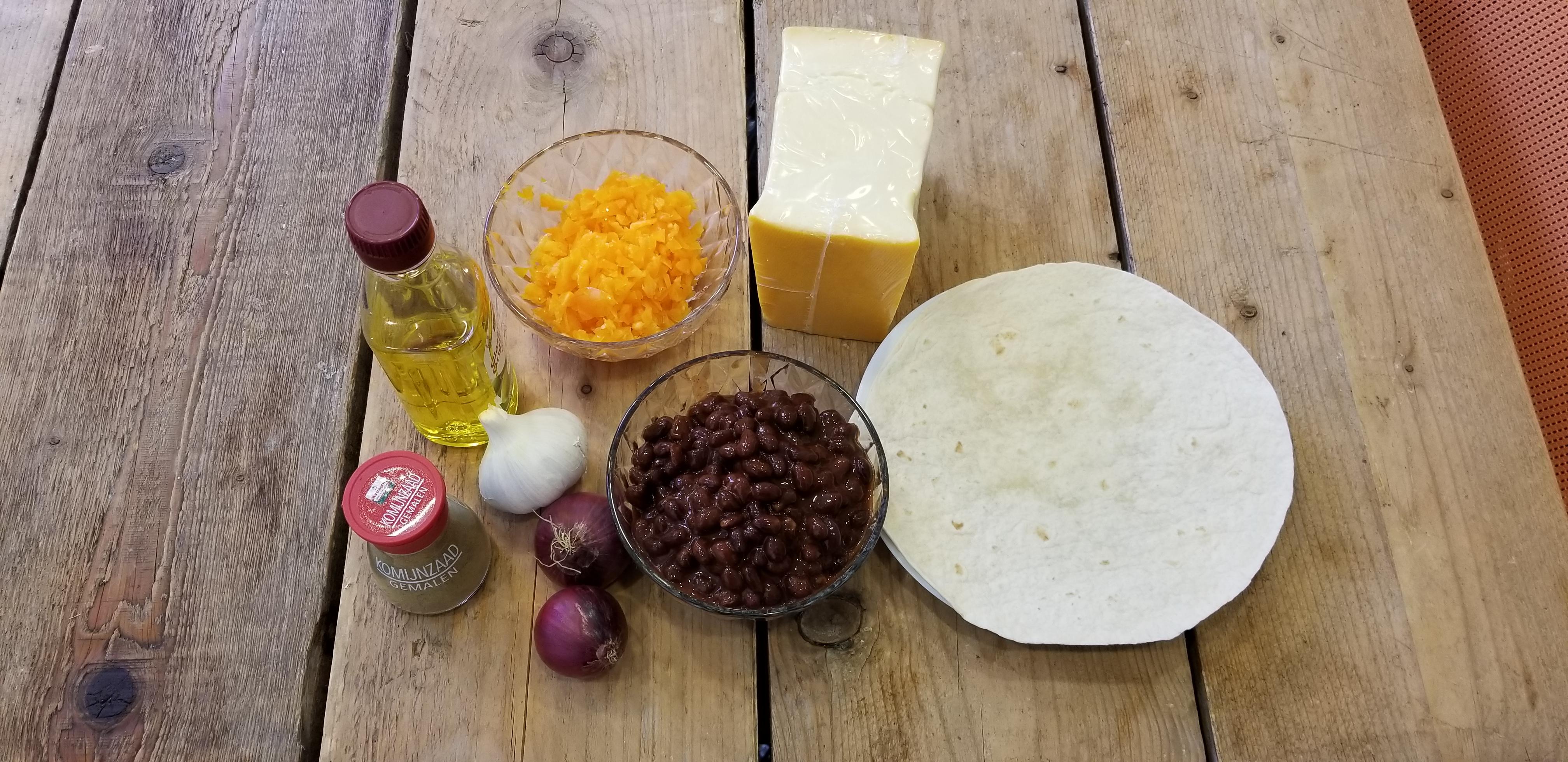 Ingrediënten vegetarische quesadillas