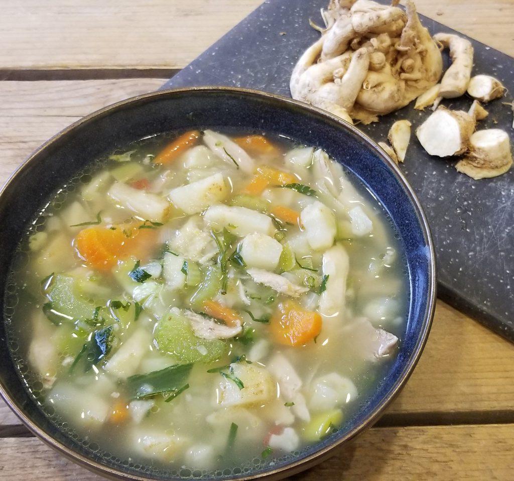 veganistische knolselderijsoep - 9x vegan lunch recept inspiratie