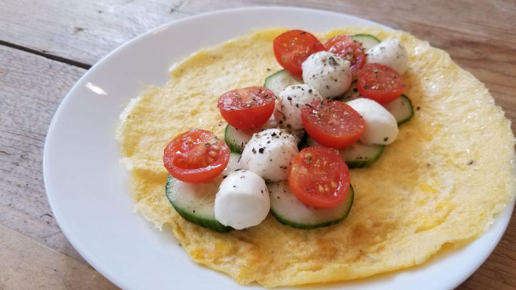 Recept wrap van ei met mozarella, tomaat en komkommer